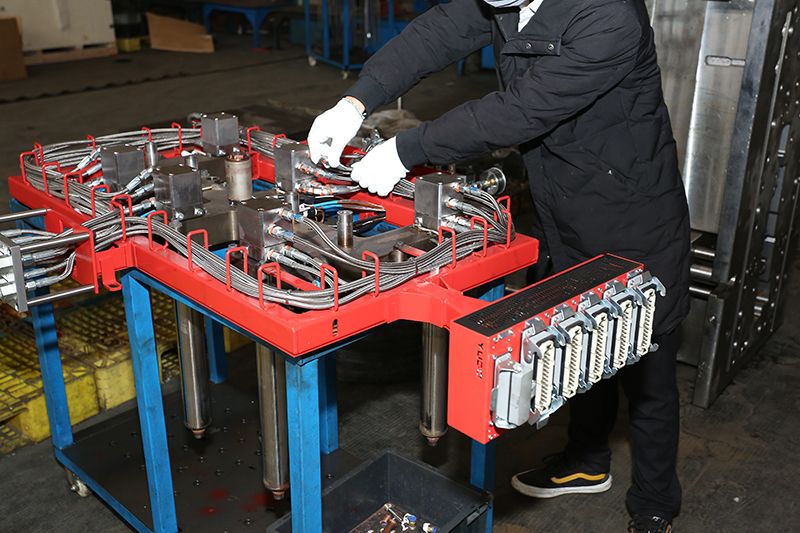 Why Making Plastic Injection Mould In China?