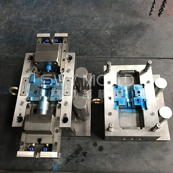 Plastic Equal Coupling With Insert Mold