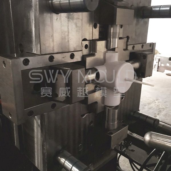 Reducing Cross Pipe Fitting Plastic Mold