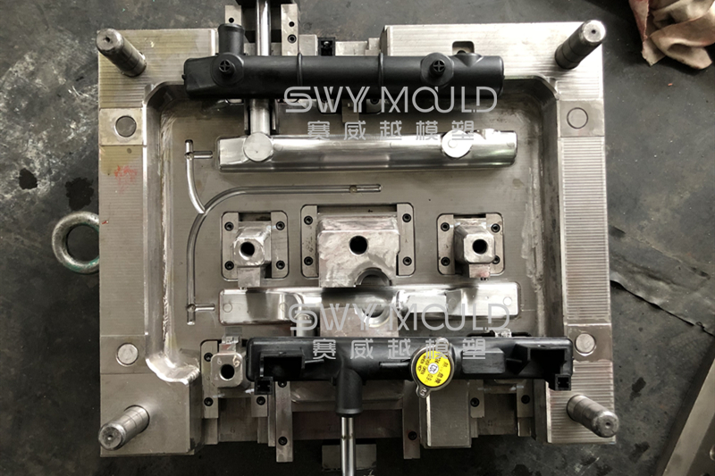 Auto Radiator Tank Plastic Mould Water Temperature Becomes Higher
