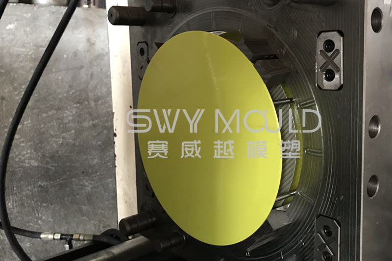 Precautions To Be Taken When Installing Molds On Injection Molding Machines