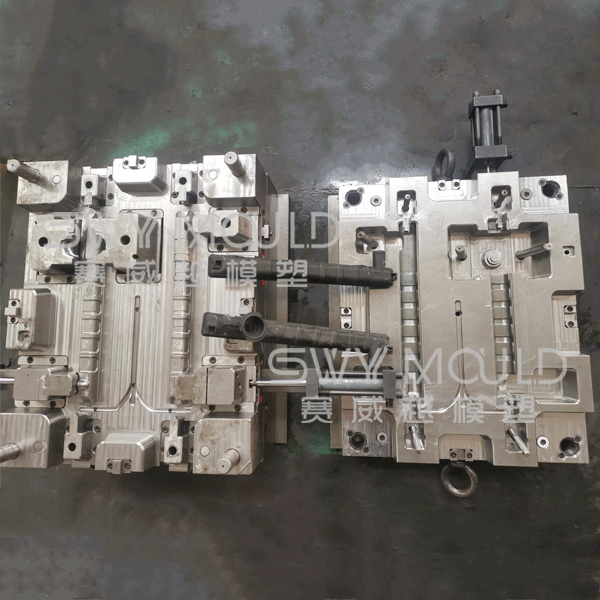 Plastic Automotive Water Cooling Tank Injection Mould