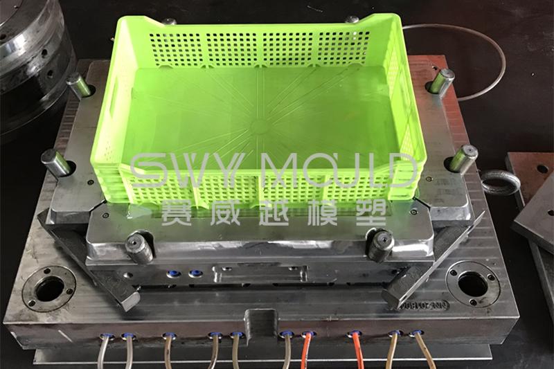 Secondary Maintenance Of Plastic Turnover Box Mold