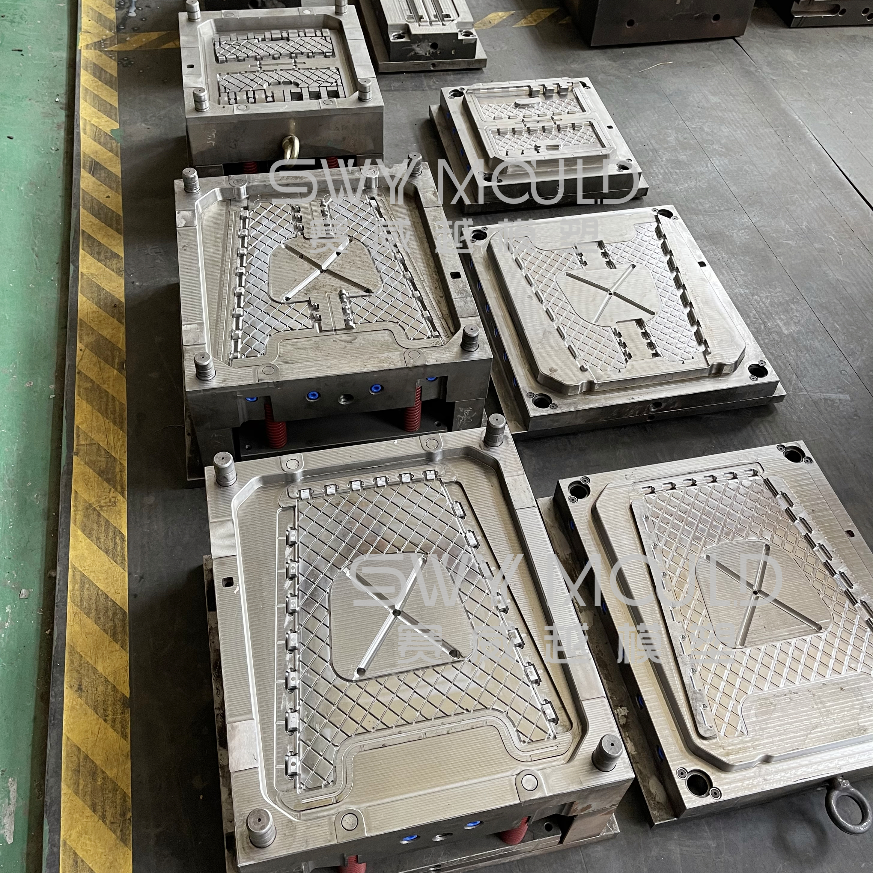 Plastic Outdoor Folding Stool Injection Mold